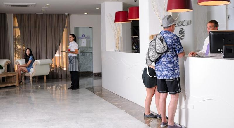 Lobby Playaolid Suites & Apartments