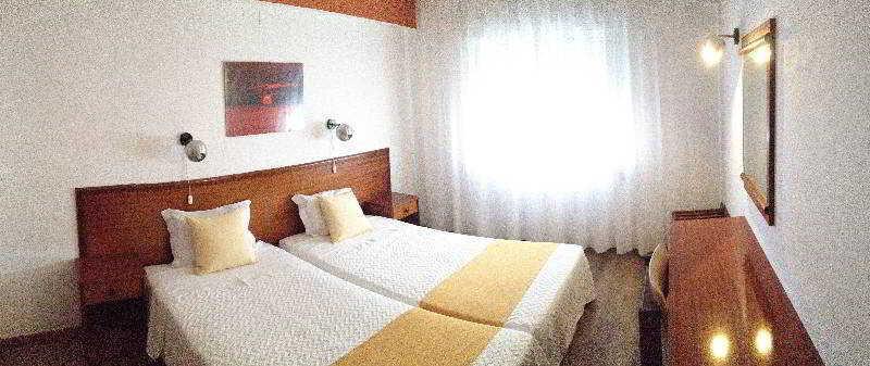 Rosamar Apartamentos - Room - 16