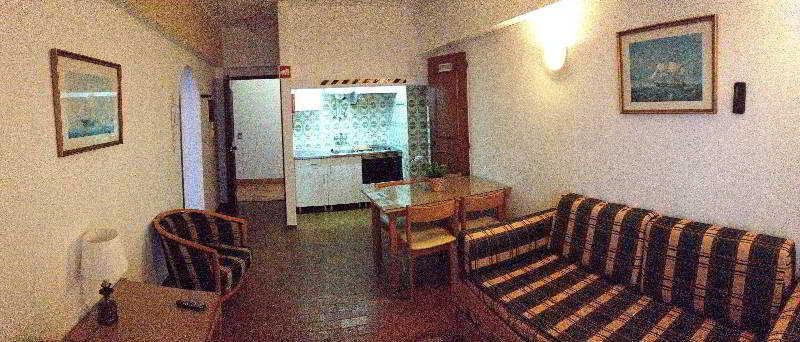 Rosamar Apartamentos - Room - 14