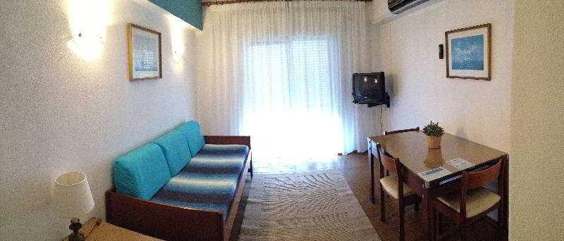 Rosamar Apartamentos - Room - 12
