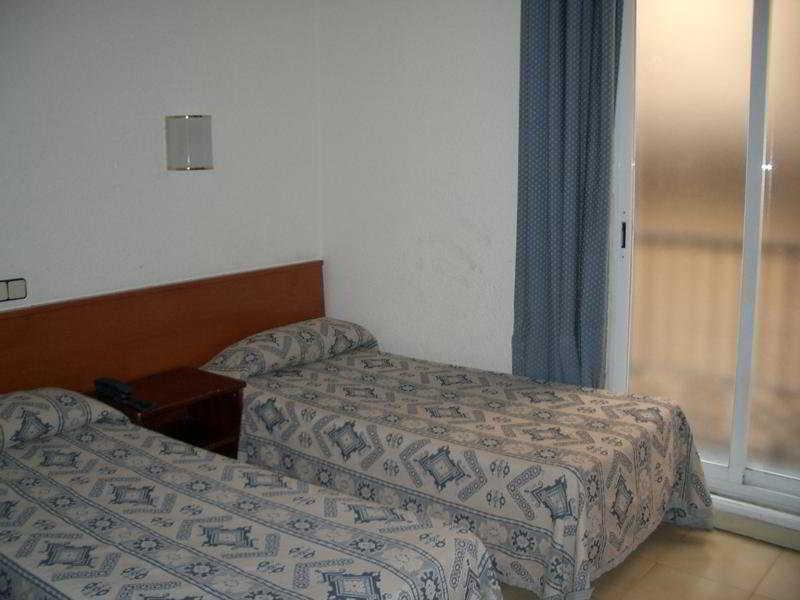 Room Comercio