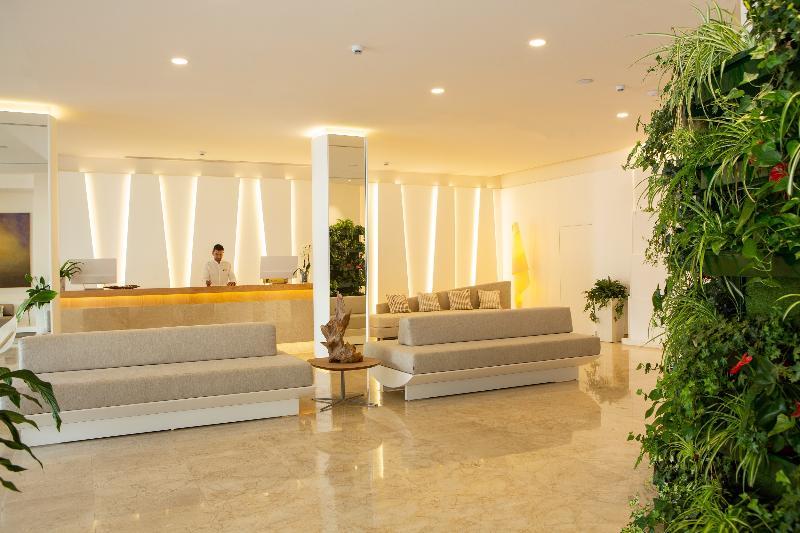 Lobby Hotel Sabina Playa