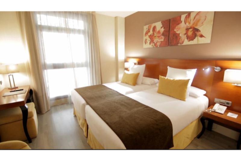 Habitaciones en el hotel puerta de toledo madrid espa a for Habitaciones en madrid