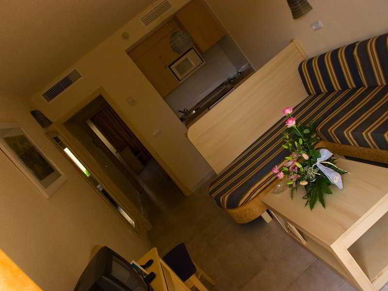 BQ Alcudia Sun Village - Room - 9