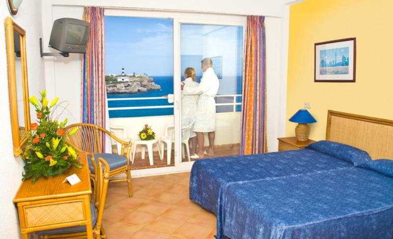 Room Js Cape Colom