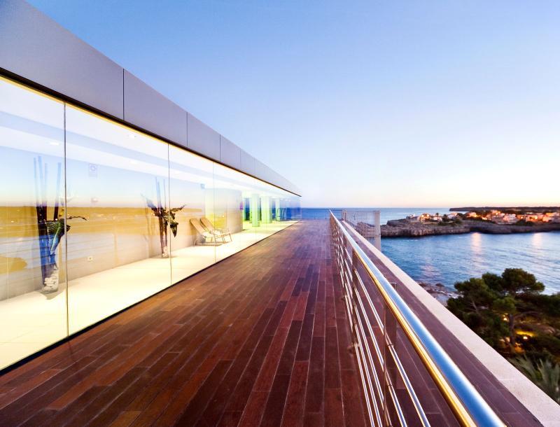 Terrace Js Cape Colom
