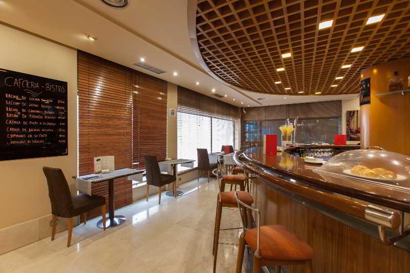 Bar Silken Luis De Leon