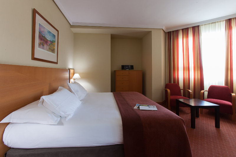 Room Silken Luis De Leon
