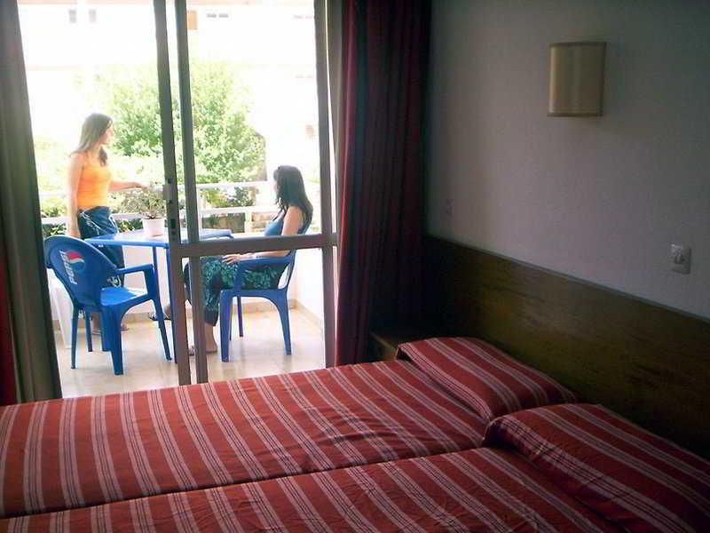 Room Promenade