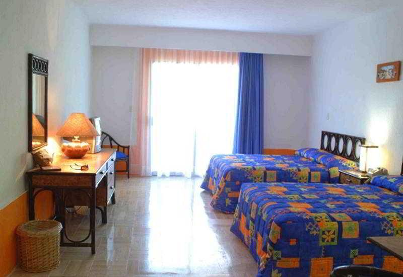 Room El Pueblito Beach