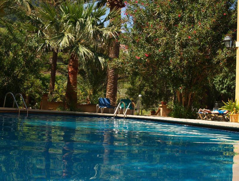 Pool Sa Coma