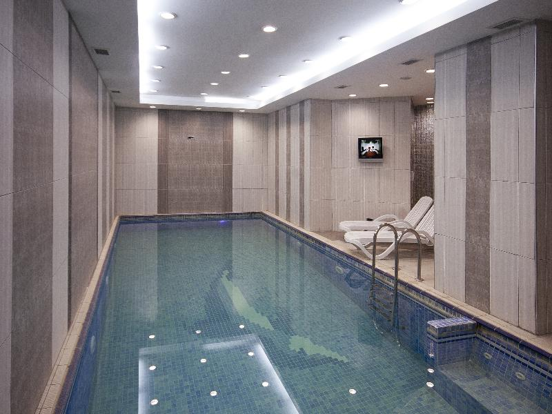 Pool Sapphire