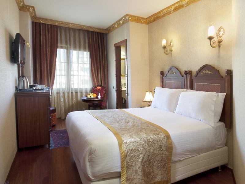 Room Sapphire
