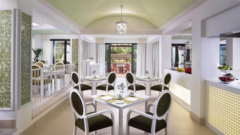 Bar Pine Cliffs Hotel, A Luxury Collection Resort