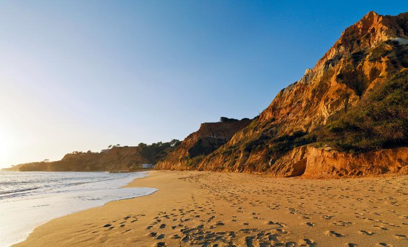 Beach Pine Cliffs Hotel, A Luxury Collection Resort