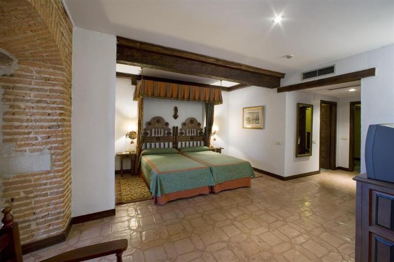 Room Parador De Plasencia