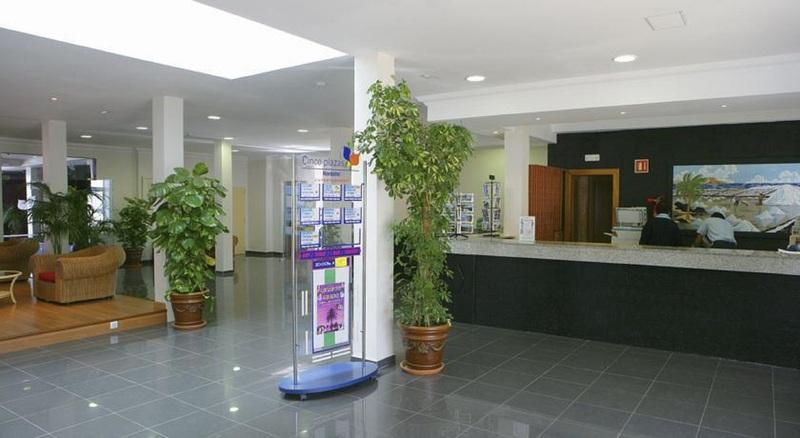 Lobby Cinco Plazas