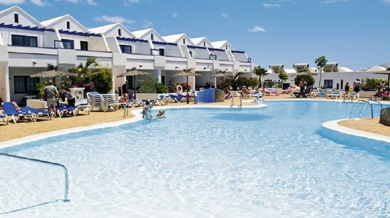 Pool Cinco Plazas