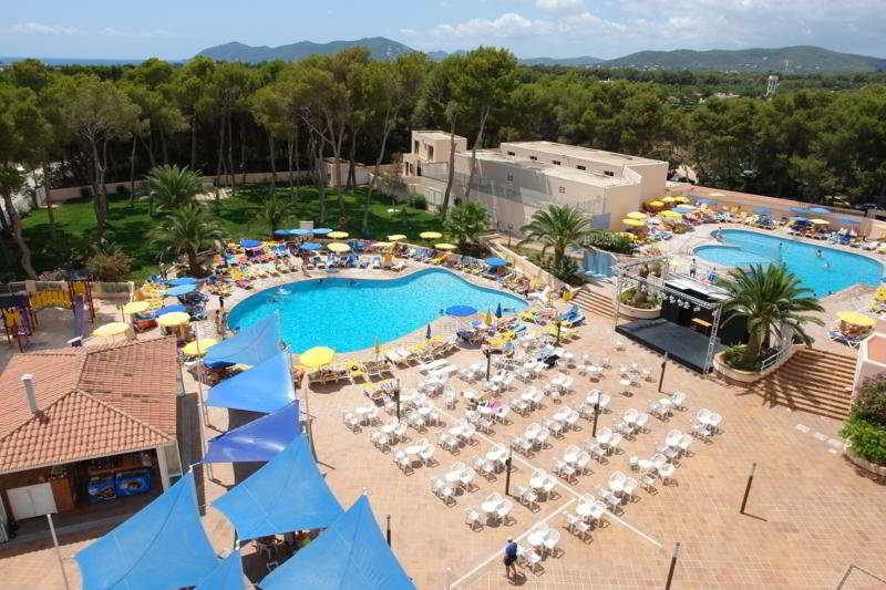 Pool Invisa Hotel Ereso