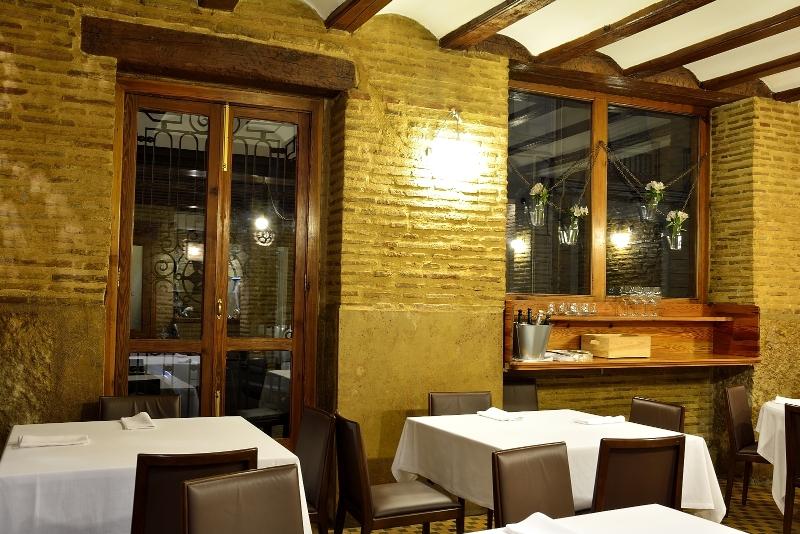 Restaurant Ad Hoc Monumental