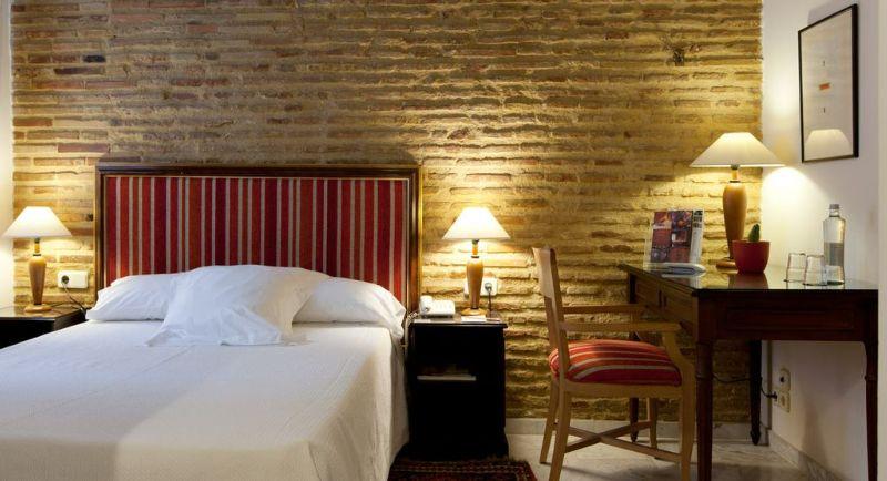 Room Ad Hoc Monumental