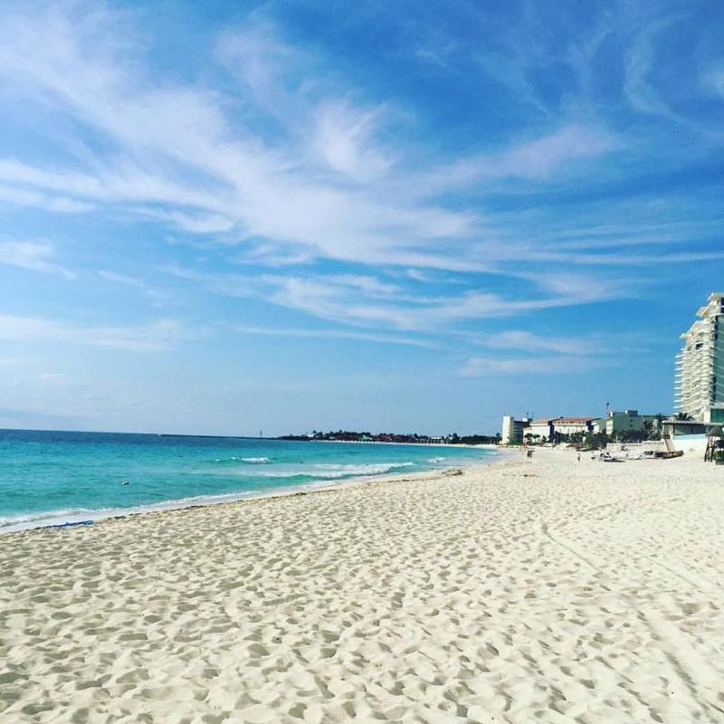 Beach Oleo Cancun Playa
