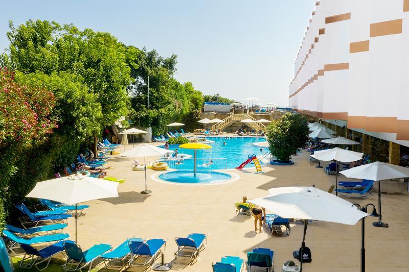 Pool Avlida