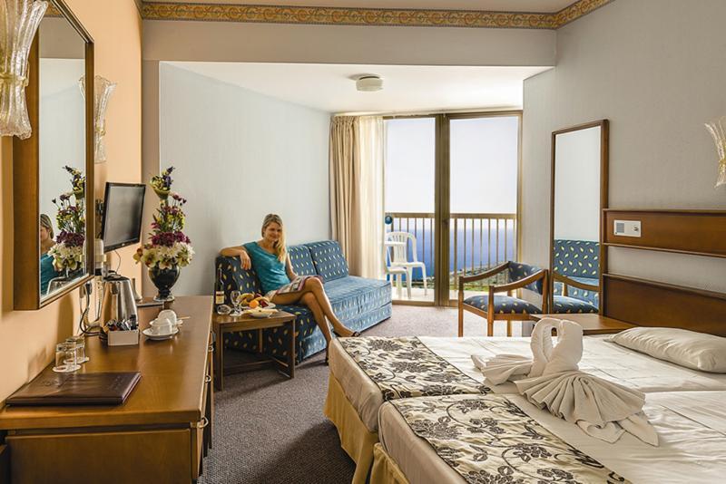 Room Avlida