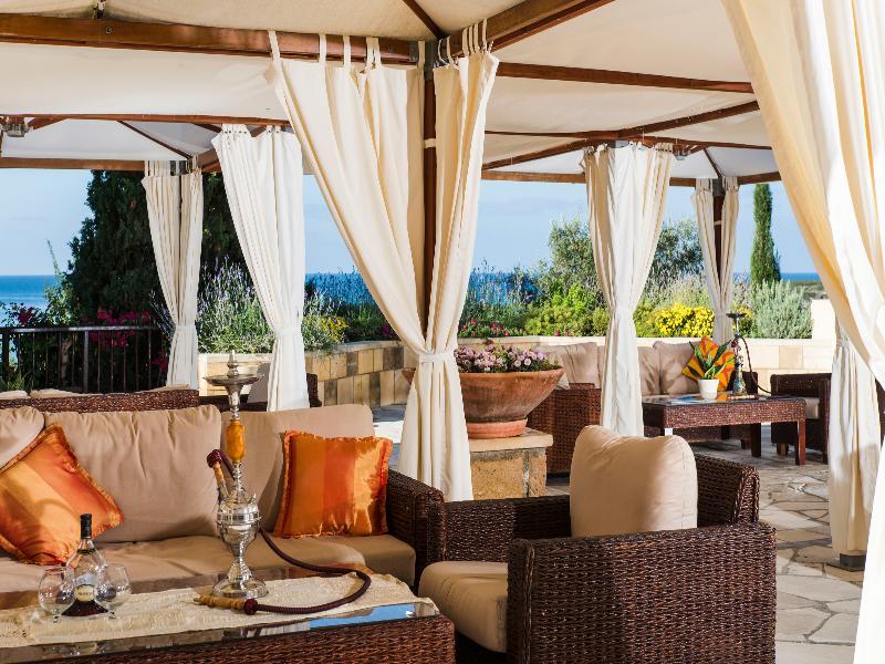 Bar Coral Beach Hotel & Resort