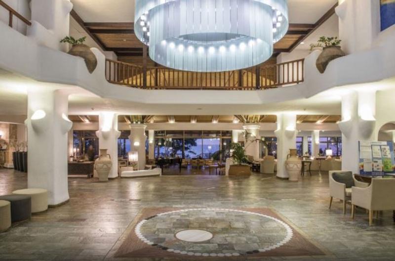 Lobby Coral Beach Hotel & Resort