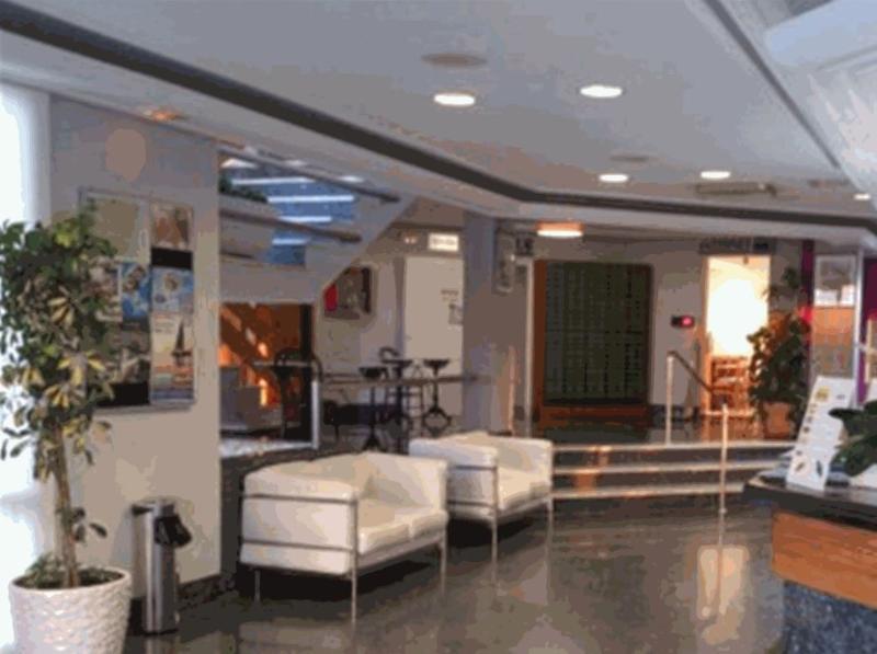Lobby Aparthotel Nereida