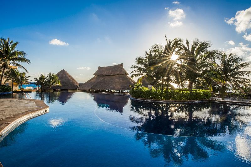 Pool Fiesta Americana Condesa Cancun All Inclusive