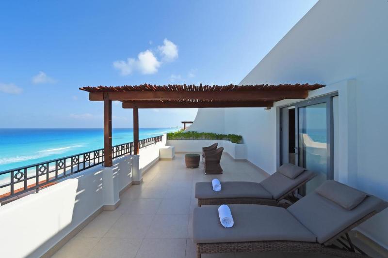 Terrace Fiesta Americana Condesa Cancun All Inclusive