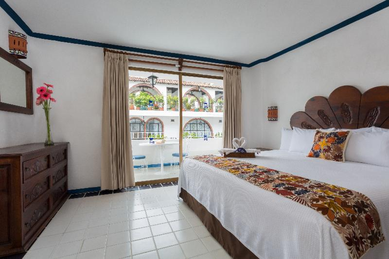 Room Los Arcos Suites