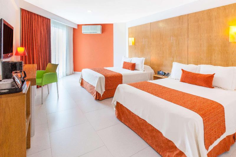 Room Ramada Cancun City