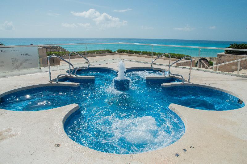 Pool Omni Cancun Hotel & Villas