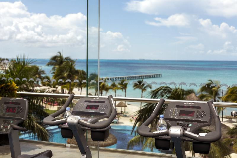 Sports and Entertainment Grand Fiesta Americana Coral Beach Cancun Resort