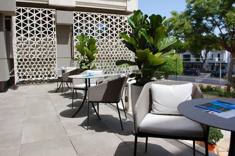 Terrace Alanda Hotel Marbella