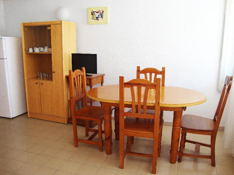Apartamentos Las Fuentes 3000 - Room - 14