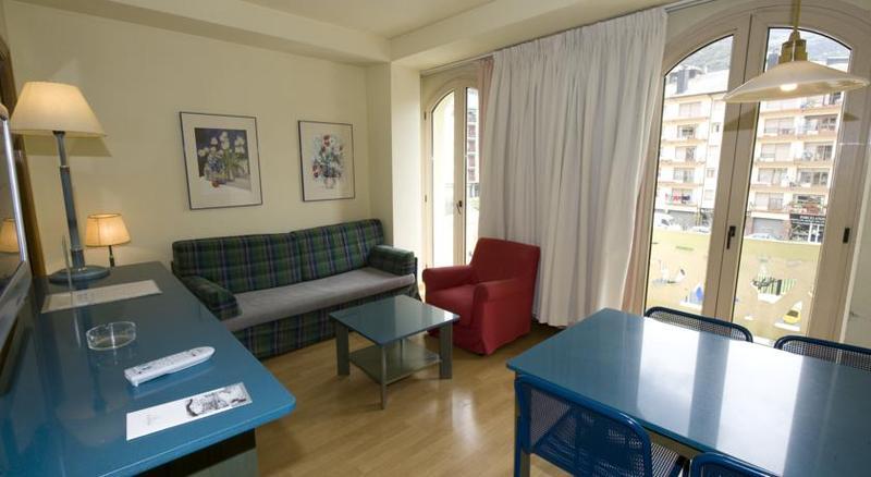Apartamentos Pessets - Room - 8