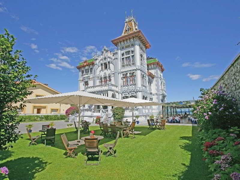 Escapada en el Hotel villa rosario (palacete)