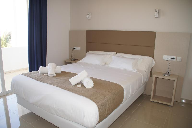 Room Rocabella