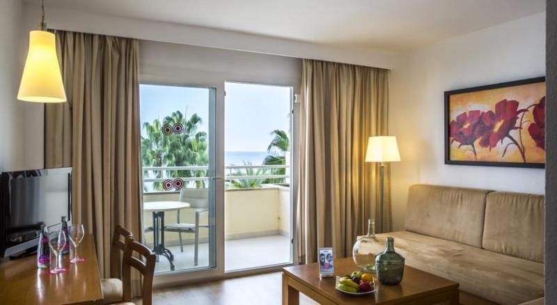 Room Cap De Mar