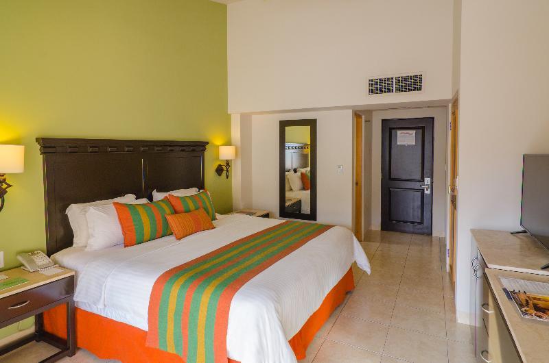 Room Tesoro Los Cabos