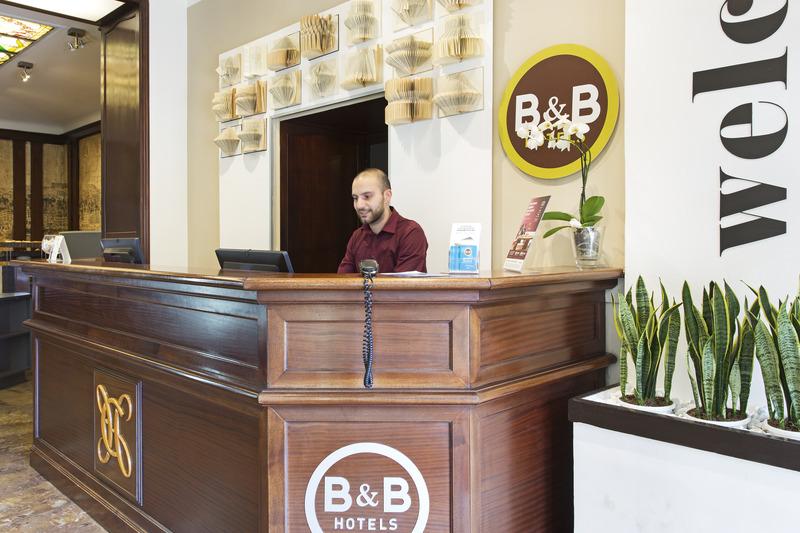 Lobby B&b Hotel Napoli