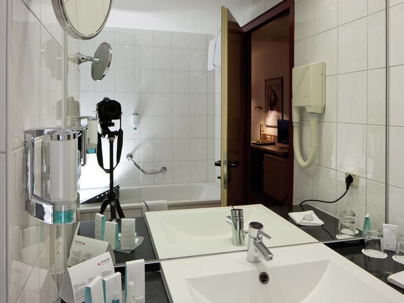 austria trend hotel salzburg west. Black Bedroom Furniture Sets. Home Design Ideas