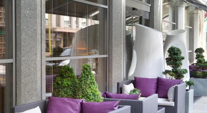 Terrace Auteuil Manotel