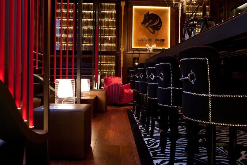 Bar Drake Longchamp