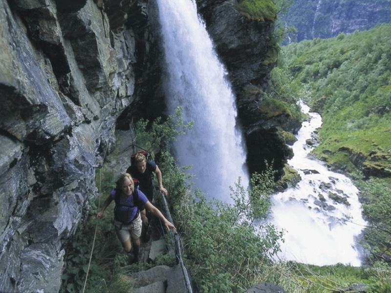 Sports and Entertainment Geiranger