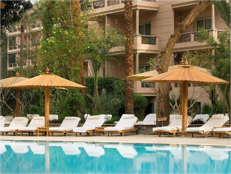 Pool Pavillon Winter Luxor